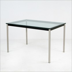 L10 Table a diner