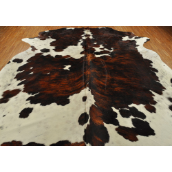 Tricolor cow hide carpetTricolor cow hide carpet