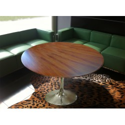 Saarinen round 120 cm wooden tulip table